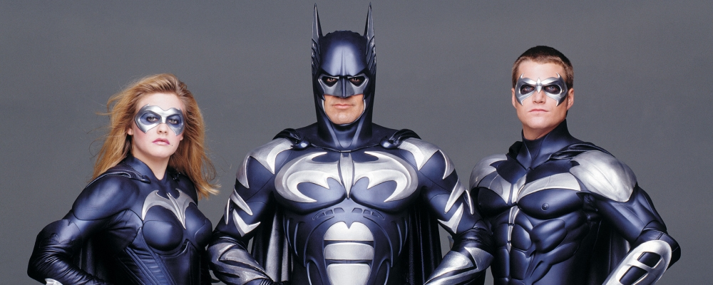 Joel Schumacher pide disculpas por los trajes con pezones ...