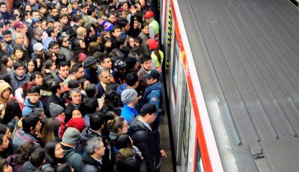 Enojo De Usuarios De Metro De Santiago Se Hizo Sentir En Twitter Por