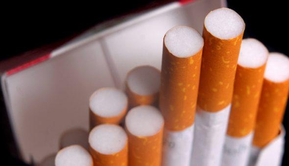 Ministerio de Salud aclara que tabaco seguirá siendo
