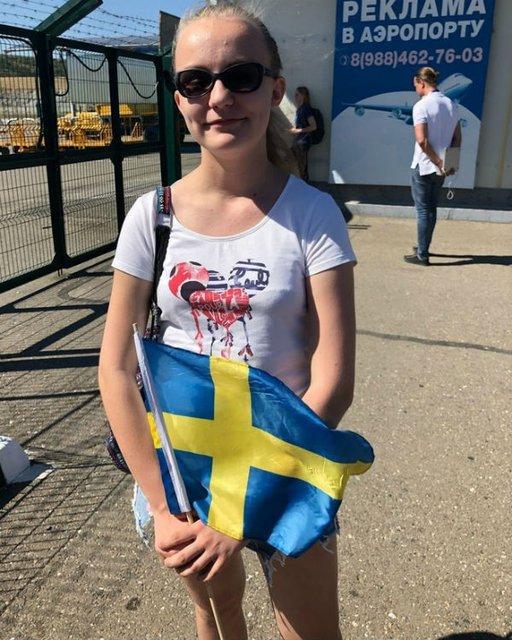 Suecia llegó a Rusia y fue recibida por... ¡una sola aficionada!