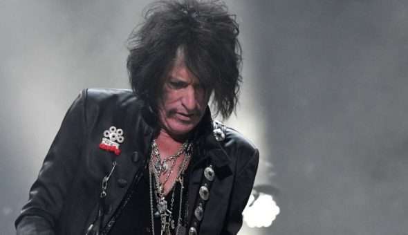 Hospitalizan al guitarrista de Aerosmith Joe Perry