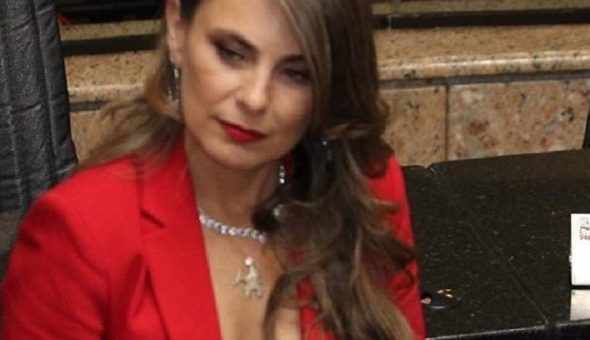 'Seguiré vistiendo lo que quiero' dice diputada atacada por escote