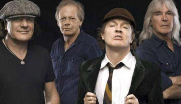 Brian Johnson volvería a cantar con AC/DC