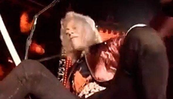 Kirk Hammett (Metallica) cae traicionado por el pedal wah-wah en Milán
