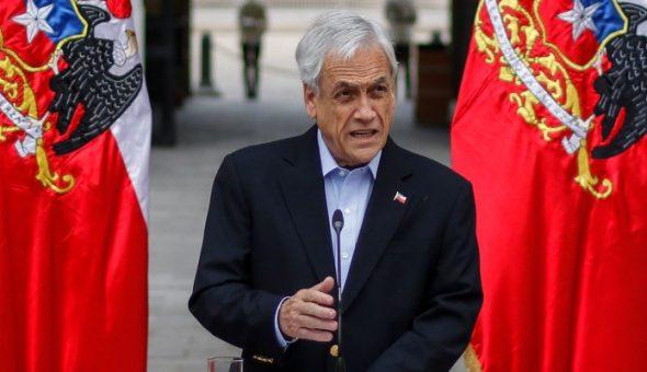 Chadwick deja el Gobierno tras criminal período en Interior — Cambio de gabinete