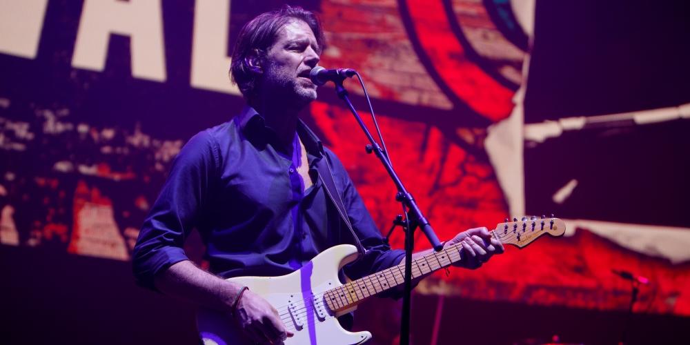 Integrante de Radiohead dice tener coronavirus
