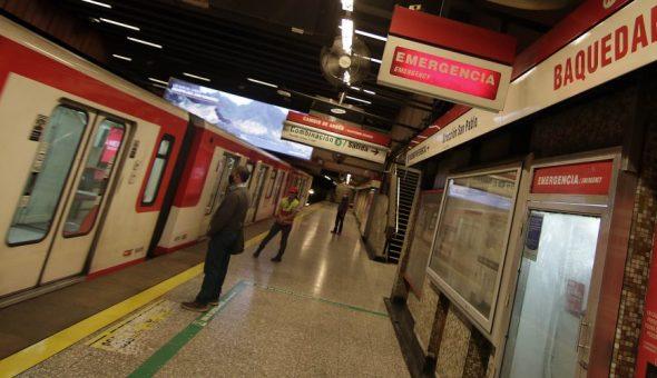 metro covid mujer
