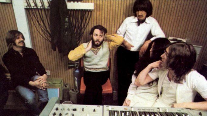 "Nunca visto antes: Peter Jackson liberó ""sneak peek"" del documental ""Get  Back"" de The Beatles"