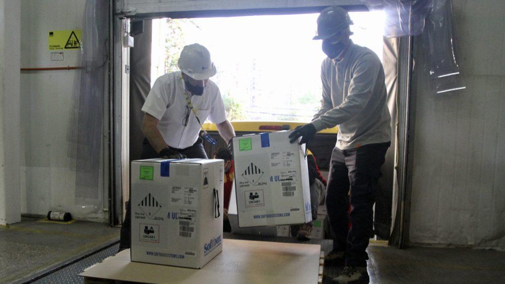 Nuevo cargamento Pfizer-Biontech A_UNO_1257846