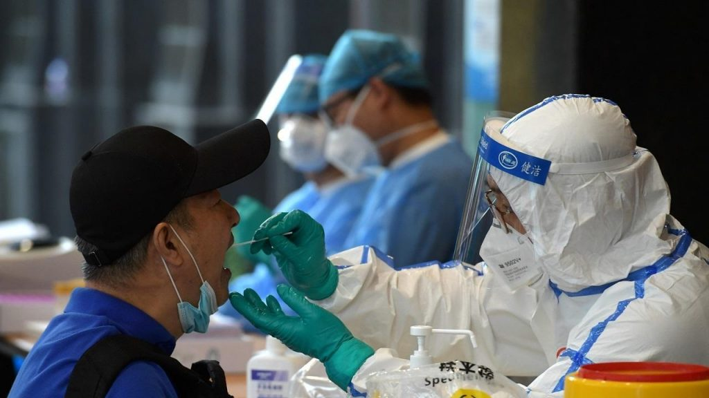 OMS revela que en China habían 13 secuencias distintas de Covid-19