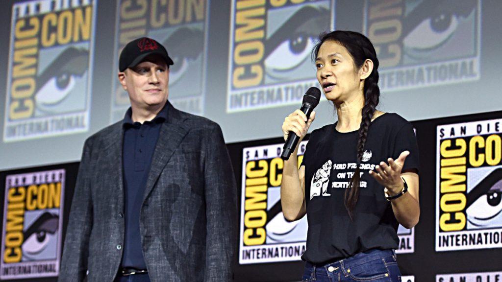 Chloé Zhao y Kevin Feige
