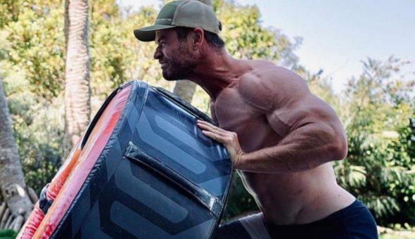"""Mamadísimo: Chris Hemsworth cree que no lo toman por un """"actor serio"""""""