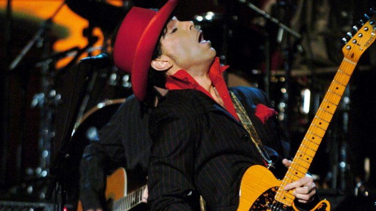 Prince 2004 Rock Hall Getty 02 Web