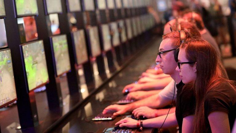 Activision Blizzard (2)