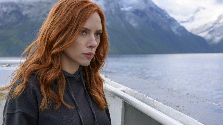 Scarlett Johansson Black Widow Demanda