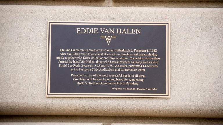 Eddie Van Halen Placa Getty Web